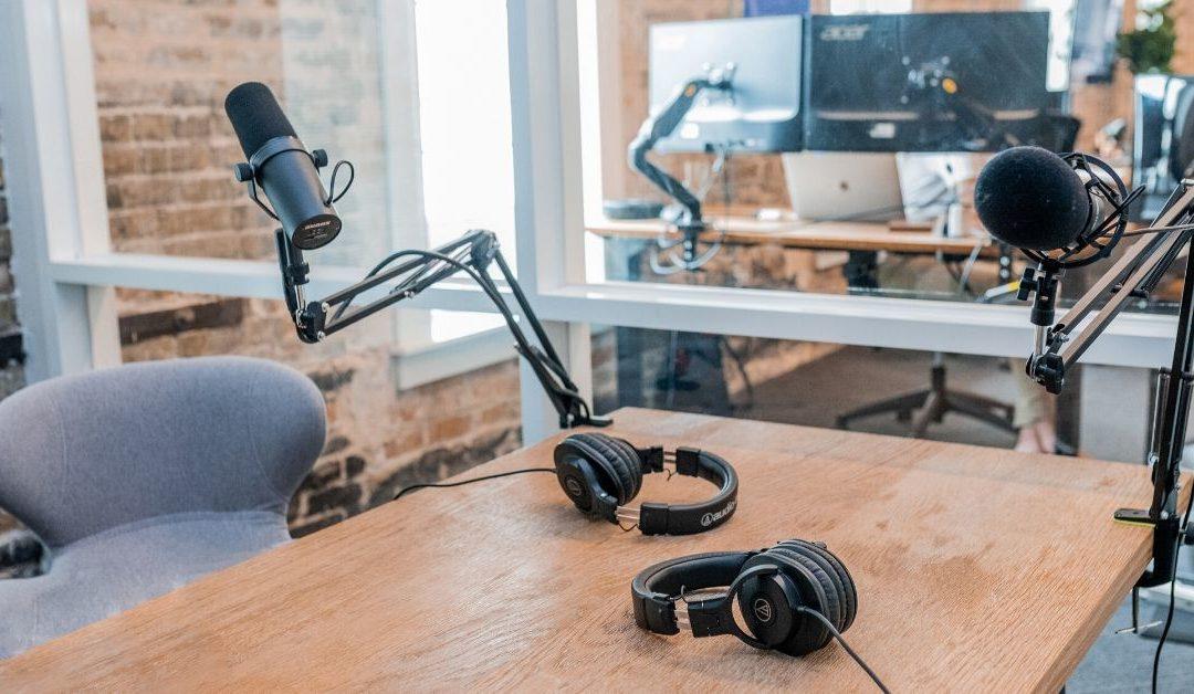 Podcast: Slik kan du lekendelett streame eller starte en podcast